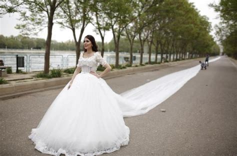 200 Metre Long Wedding Dress