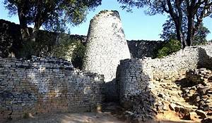 Sex tree attracts scores of tourists to Great Zimbabwe ...