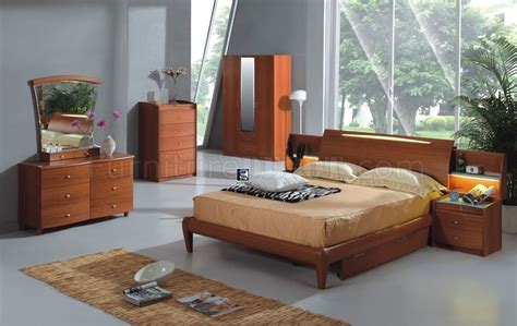 cherry finish bedroom furniture light cherry finish contemporary bedroom set