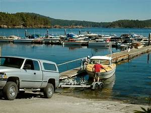 How To Launch A Boat  U0026 A Guide To Getting Your Boat On And