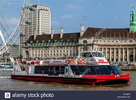 Boat Tour On Thames by City Cruises River Thames Boat Tour