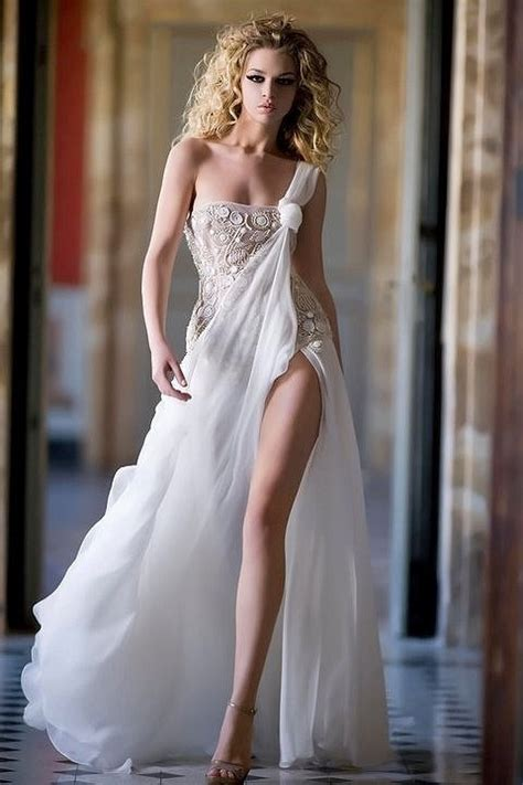 11 Sexy And Sultry Wedding Dresses For Sensual Bride Awesome 11
