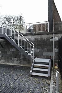escalier quart tournant marche en metal d39exterieur With escalier exterieur 6 marches