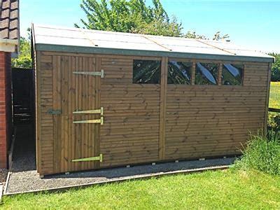Scole: Garden shed 8x6 b&q