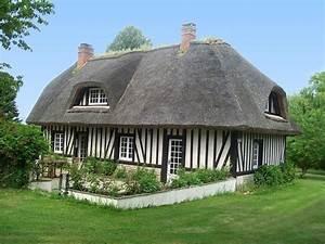 Maison avec toit de chaume 3 par jean pierre marro sur l for Maison toit de chaume