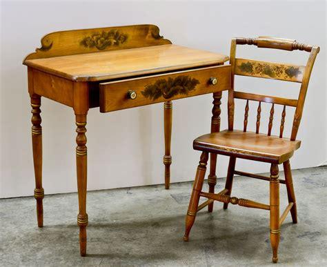 bedroom vanity furniture hitchcock furniture at nest egg auctions