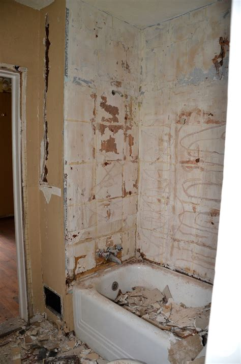 Removing Wall Tiles In Bathroom by Do It Yourself Installing A Tile Shower Homesfeed