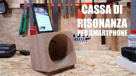 Supporto In Legno Per Smartphone Con Cassa Di Risonanza