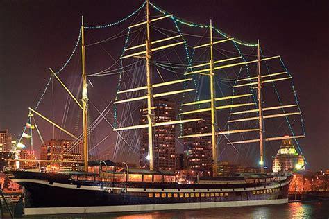 Boat Restaurant Philadelphia object moved