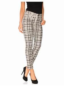 Pantalon femme 3 4 imprime a carreaux original helline for Pantalon carreaux femme