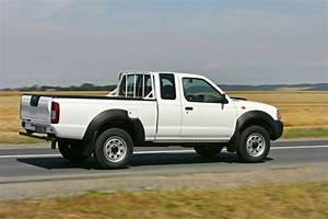 Pick Up Nissan Occasion : nissan np300 le pick up de retour ~ Medecine-chirurgie-esthetiques.com Avis de Voitures