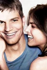 Amanda Peet U0026 Ashton Kutcher Put A Smile On Your Face