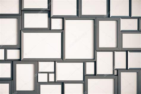Wand Mit Vielen Bilderrahmen by Viele Leere Holz Bilderrahmen Stockfoto 169 Peshkov 100603468