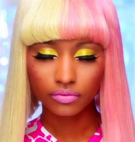Nicki Minaj Rocks The Pastel Hair Trend We Bet This Half