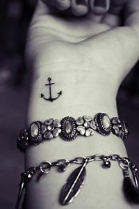 Tatouage Ancre Signification : tatouage ancre marine signification les tatouages ~ Nature-et-papiers.com Idées de Décoration