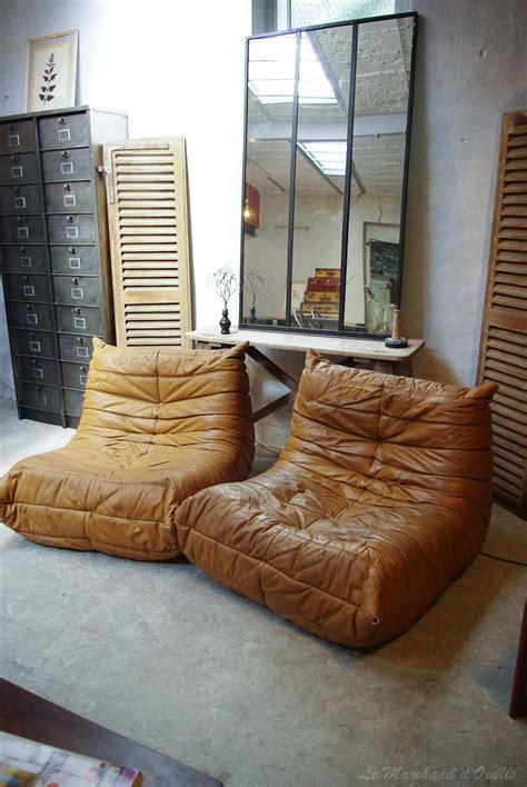 canape togo en cuir marron vintage