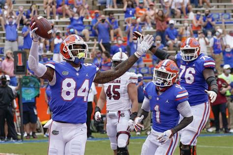 Florida Gators football reports one COVID-19 positive case