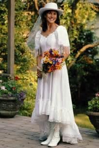 western theme wedding dresses 1000 ideas about cowboy wedding dresses on cowboy weddings royal blue centerpieces