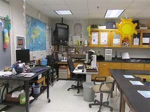 Classroom Photos Of Mr  Dyre U0026 39 S High School Science Lab