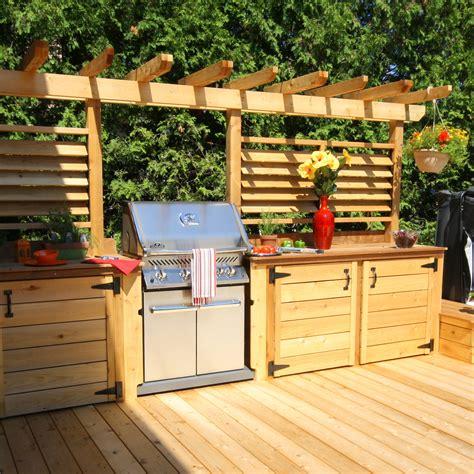cuisine exterieure un patio avec cuisine extérieure un été rempli de