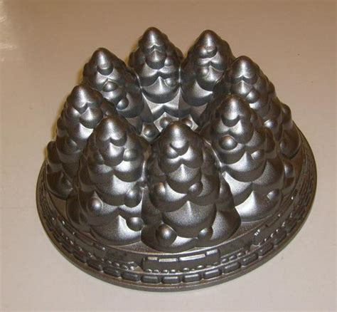 nordic ware christmas tree bundt pan cake baking mold