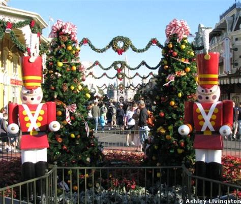 holiday decorations at the magic kingdom all ears 174 guest