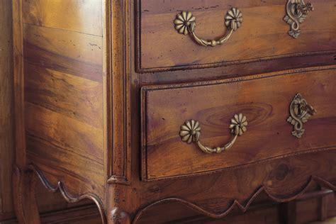 rénover un meuble avec de comment teinter ou patiner un meuble bois avec un effet