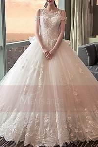 Robe De Mariée Champagne : robe de mari e 2018 en dentelles perl es longue tra ne et volant en cascade ~ Preciouscoupons.com Idées de Décoration