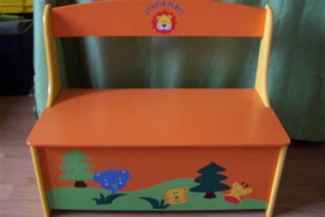 coffre a jouet papillon coffre 224 jouets papillons coccinelles