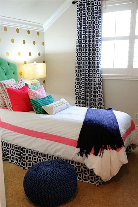 pouf pour chambre ado idées déco pour une chambre ado fille design et moderne