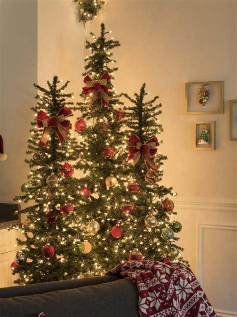 secrets   shoot decorating holiday greenery