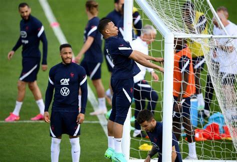 ทีมชาติฝรั่งเศส ซ้อมรับมือเวลส์ อุ่นเครื่องก่อนศึก ยูโร ...