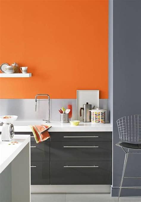 foto pared de cocina pintada de naranja  habitissimo