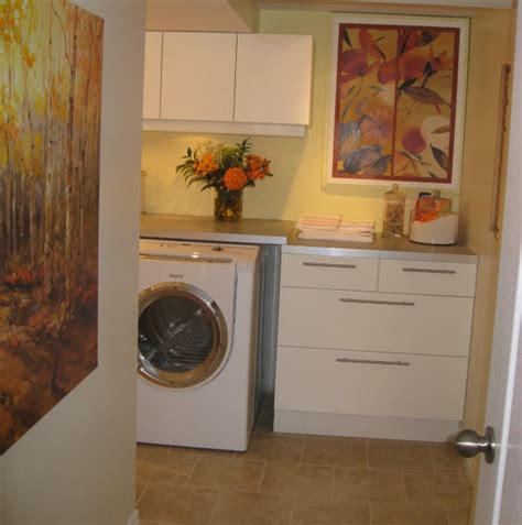 Inexpensive Laundry Room Makeovers With Framed Wall