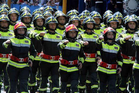 Ufficio Concorsi Vigili Fuoco - uso improprio dell uniforme di lavoro cnvvf