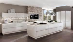 design küche dunstabzugshauben inselesse bis deckenlüfter