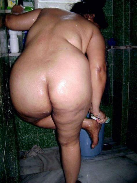 Lovely Indian Babe Shows Her Bathing Scene In Bathroom