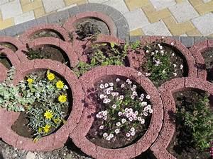 Pflanzen Kübel Beton : pflanzringe setzen 20 tipps f r terrassierte gartengestaltung ~ Sanjose-hotels-ca.com Haus und Dekorationen