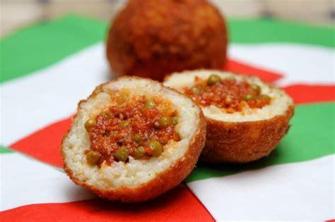 cuisine sicilienne traditionnelle arancini boules de riz à la sicilienne la cuisine à
