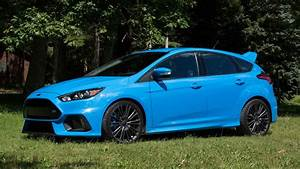 Ford Focus Rs Bleu : ford moving 500 units of focus rs a month mostly in california ~ Medecine-chirurgie-esthetiques.com Avis de Voitures