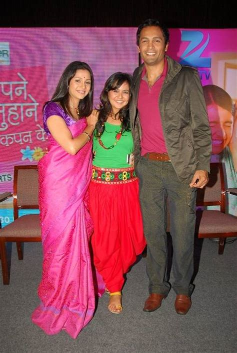 Zee Tv Launches Sapne Suhane Ladakpan Ke At 1930 Time Band