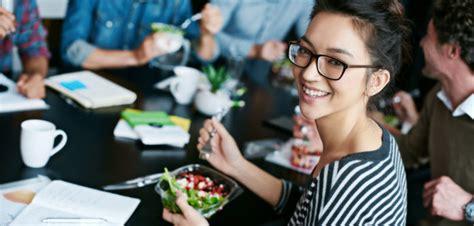 livraison de repas au bureau liez déjeuner au bureau et repas équilibré grâce à la