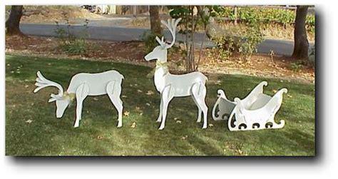 woodworking news  award winning woodworking projects christmas reindeer  sleigh  august