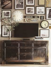 Pottery barn entry and gallery wall idea for decorating