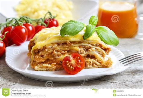lasagne plat italien traditionnel photo stock image