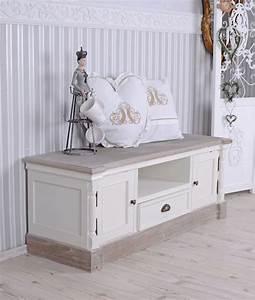 Lowboard Shabby Chic : 25 best ideas about shabby chic sideboard on pinterest shabby chic buffet shabby chic decor ~ Sanjose-hotels-ca.com Haus und Dekorationen