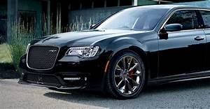 2016 Chrysler 300 SRT8 here soon: Power bump, new auto