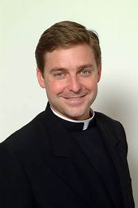 Jonathan Morris (priest) - Wikipedia
