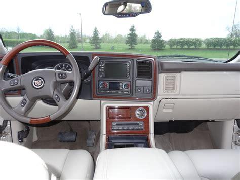 how does cars work 2004 cadillac escalade ext head up display 2004 cadillac escalade ext interior pictures cargurus