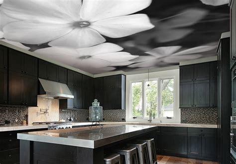 papier peint au plafond focus sur les finitions 224 appliquer sur les plafonds et faux plafonds